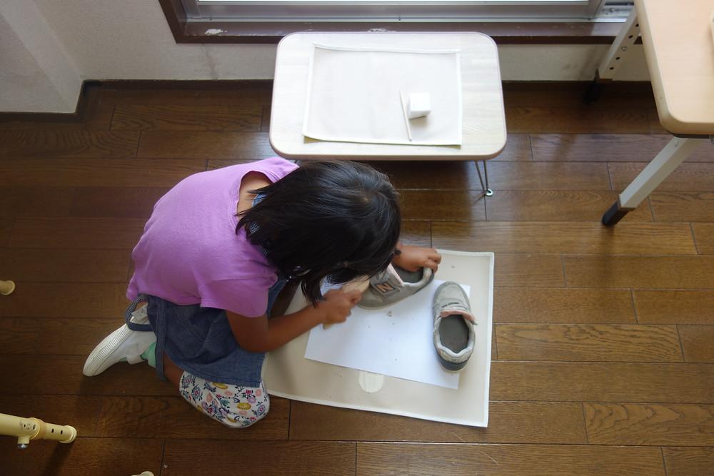 靴磨き 日常生活の練習 プライマリー