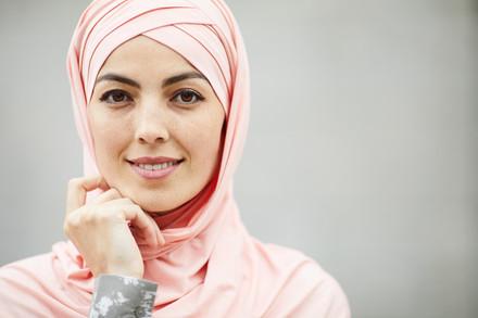 Pretty-arabian-woman-in-headscarf-545461