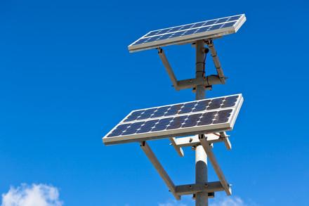 Solar-panels-777286.jpg
