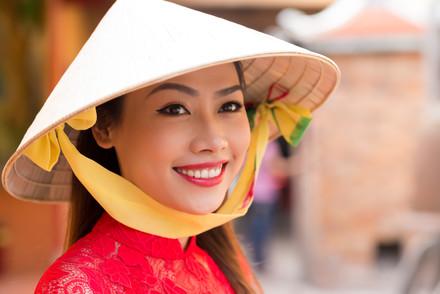 Portrait-of-pretty-vietnamese-woman-5308