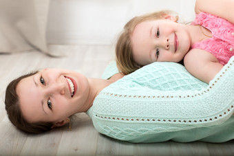 Mom-and-daughter-love