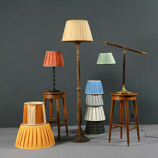 Collection-of-colorful-lampshades-643688