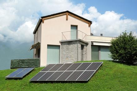 Solar-panels-729869.JPG
