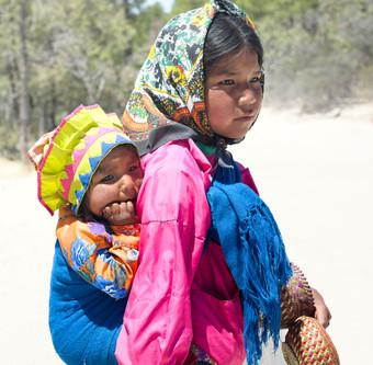 Tarahumara-native-girls-761570.jpg