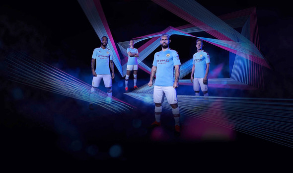 PUMA FOOTBALL PRESENTA I KIT DEL MANCHESTER CITY