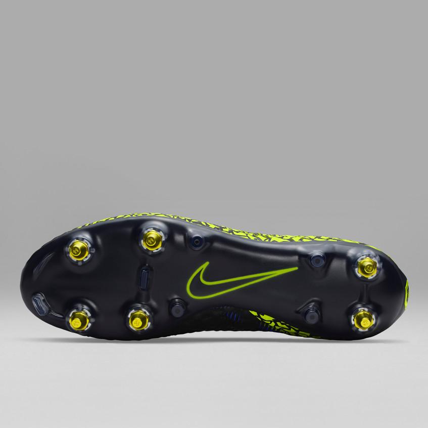 Nike Hypervenom Anti-Clog