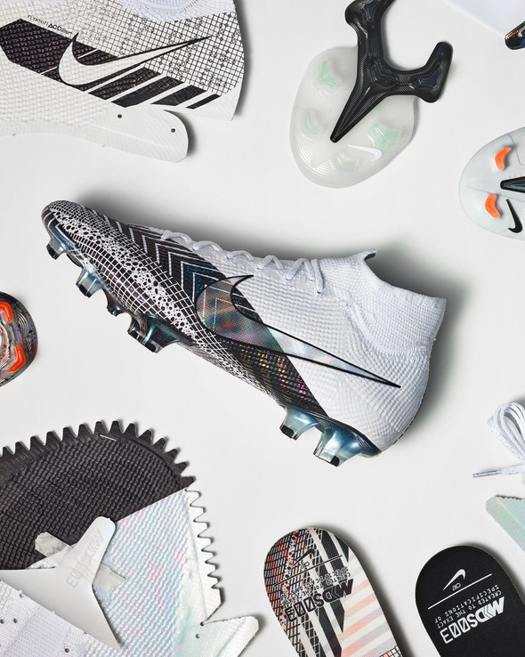 NIKE PRESENTA LE NUOVE MERCURIAL DREAM SPEED 003