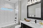29-Bathroom.jpg