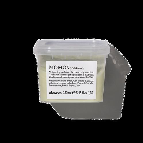 MOMO Moisturising conditioner for dry hair