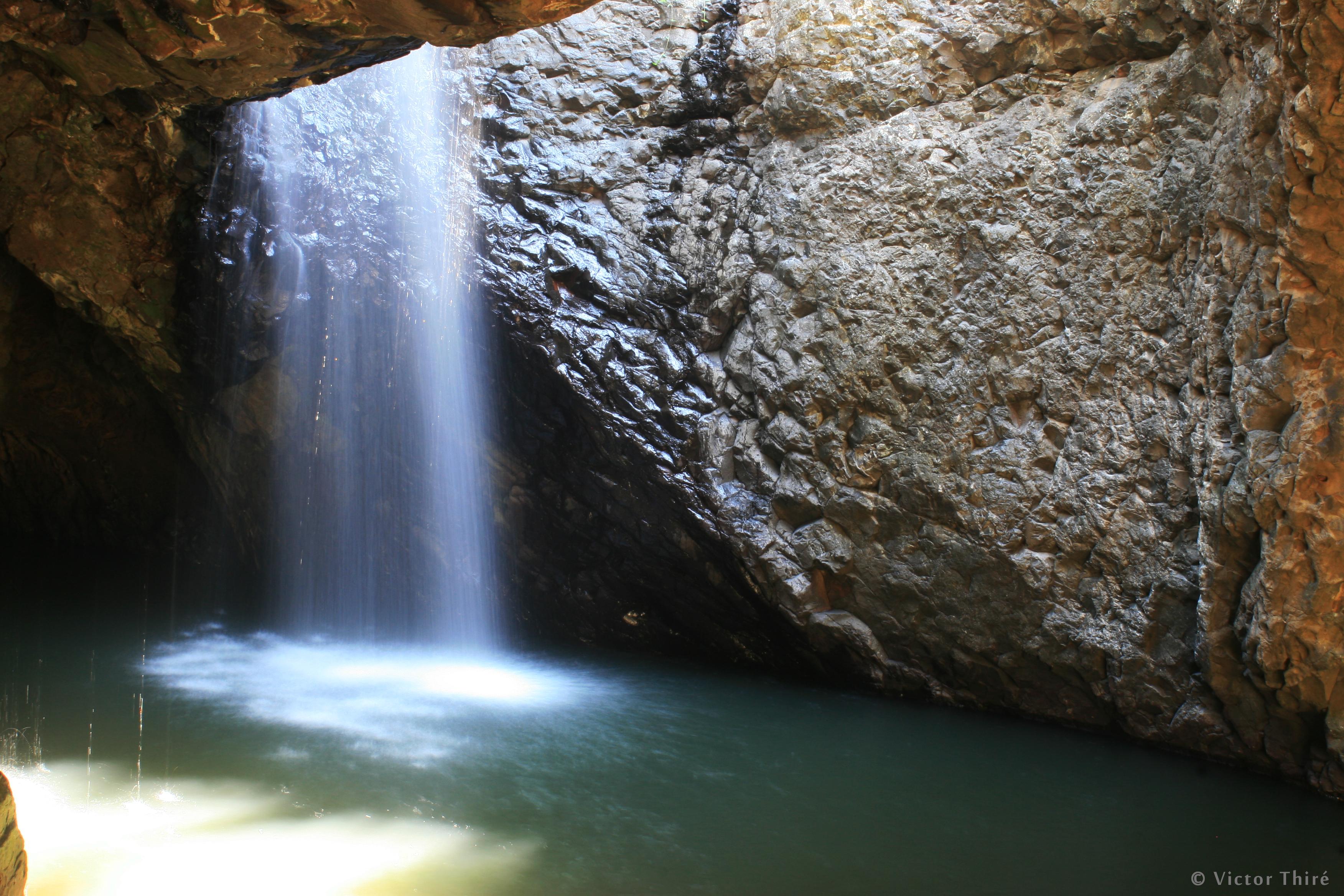 Grotte et cascade souterraine