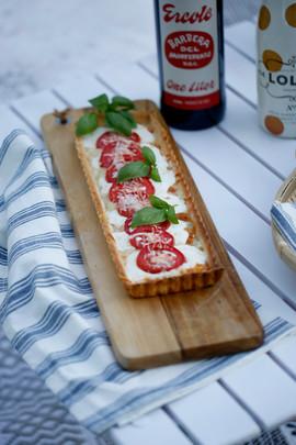 mozzarella tomato basil tart