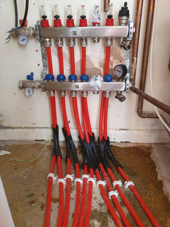 Underfloor heating pipes 5.jpg