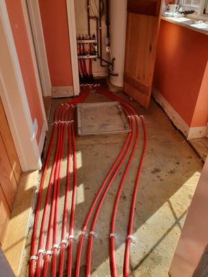 Underfloor heating pipes 4.jpg