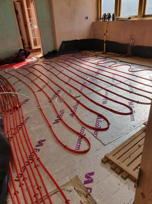 Underfloor heating pipes 1.jpg