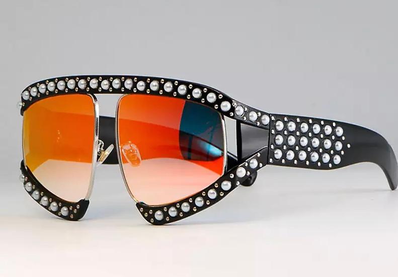 Fashionable Sunglasses 🕶