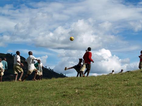 Bufoko Schule Fussball (6).jpg