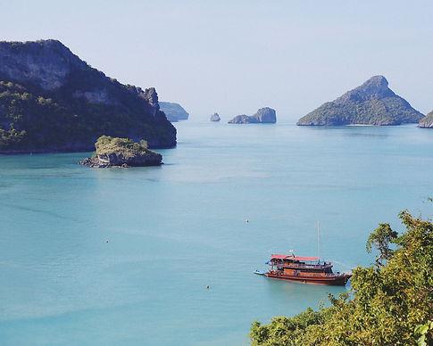 ชวนกันบินไปเที่ยวที่อุทยานแห่งชาติหมู่เกาะอ่างทองกันเถอะ