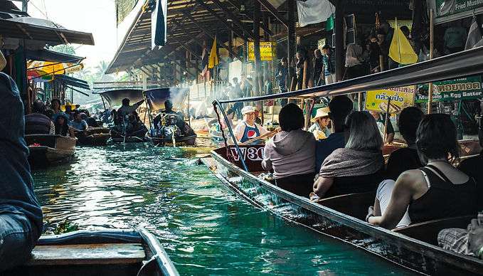 พาไปเที่ยวตลาดน้ำดำเนินสะดวก ตลาดที่ไม่เคยมีเหงา สะดวกไป สะดวกเที่ยว สะดวกอิ่มด้วยกันนะ
