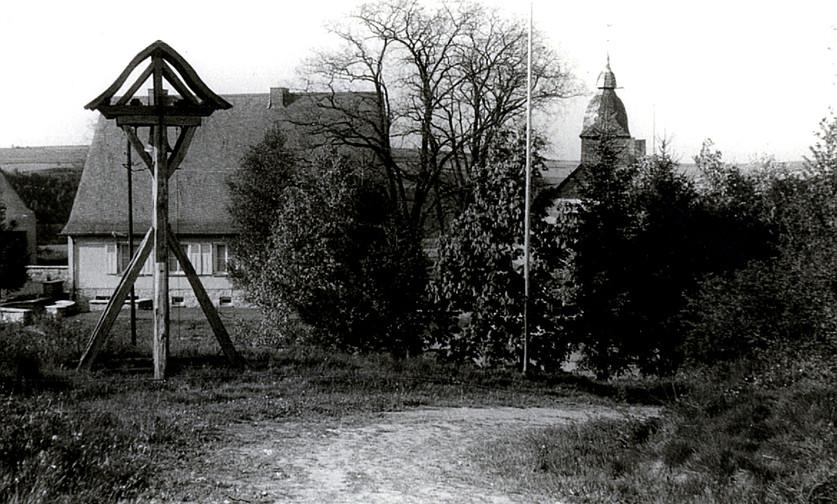 Deuselbach_Glockenturm_Geschichte.jpg