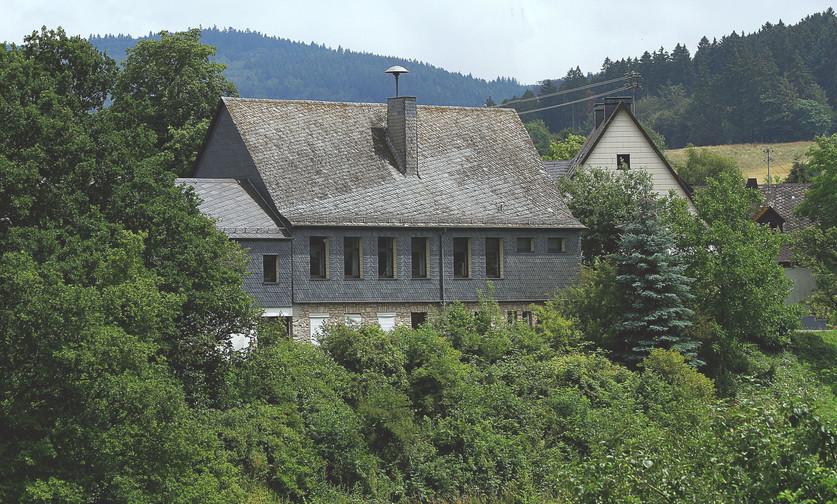 Deuselbach-Haus-des-Gastes---Naturweiher
