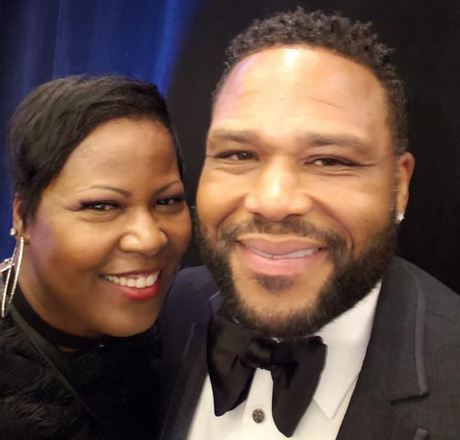 TRINA JEFFRIE PERFORMS FOR ANTHONY ANDERSON