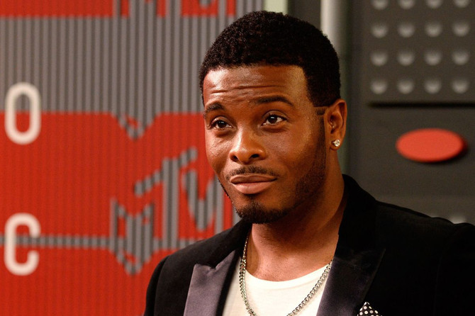 YOUTH PASTOR KEL MITCHELL SHARES THE GOSPEL