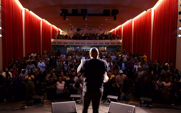 SOLD OUT AUDIENCES FOR THE REAL COMEDIANS OF SOCIAL MEDIA TOUR