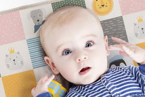 Tapis de jeu bébé roulé