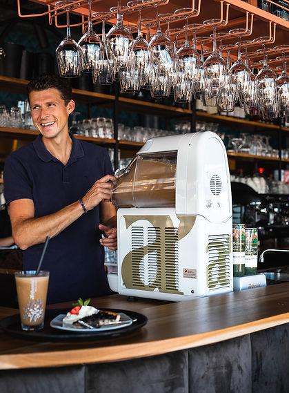 Frozen cappucino machine / ijskoffie machine