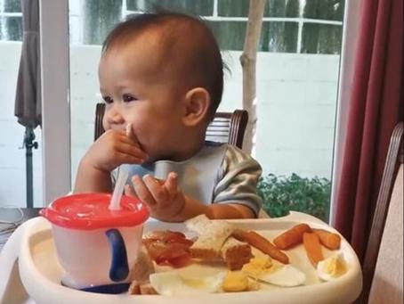 ให้ลูกทานอาหารเองได้ใหม