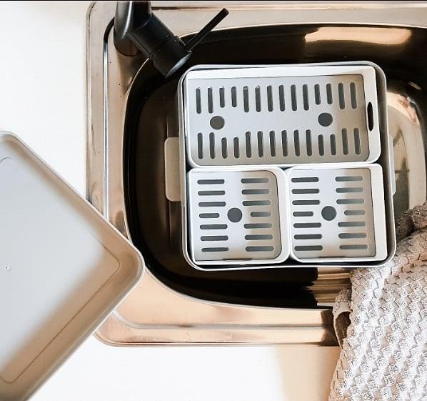 Soka Tub laundry soaking bucket with 3 removable compartments
