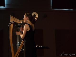 Les détours de Babel # Laura Parrudin et sa harpe magique