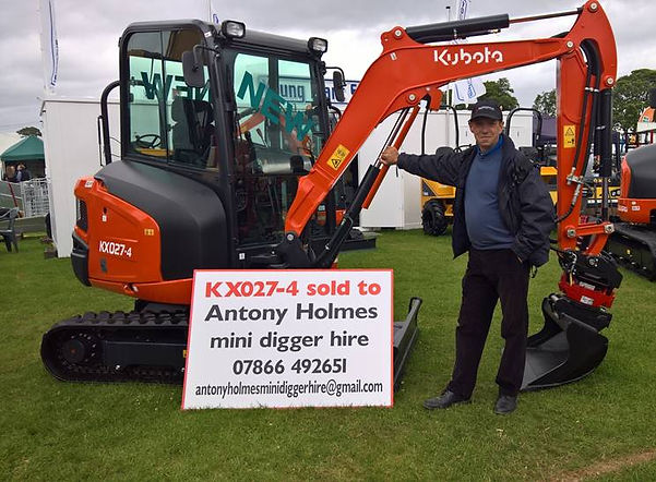 KUBOTA KX027-4 WITH ROTOTILT FITTED AT THE HILAND SHOW 2017