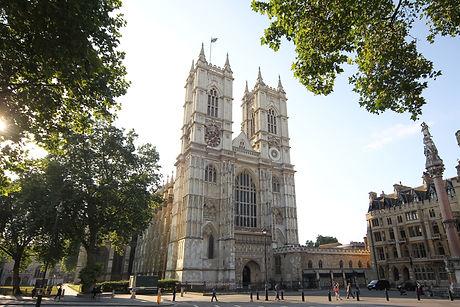 Westminster-Abbey-Outside-Area.jpg