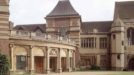 Eltham Palace, the social hub