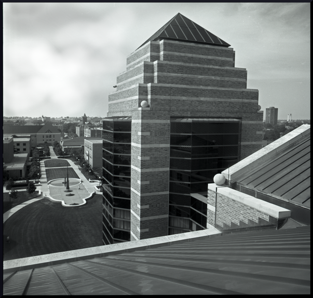 Beckman.Roof.B&W.2560.png