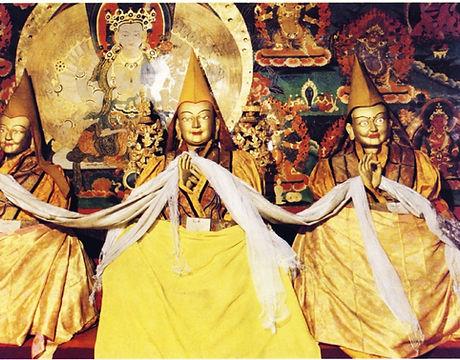 tsongkhapa___disciples__stucco___clay__j