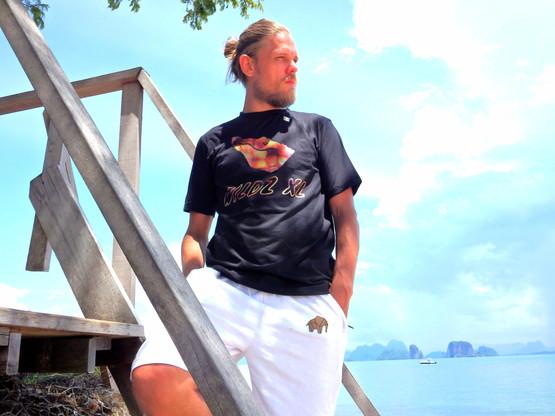 WILDZ XL Black croc 1st edition T-shirt, Elephant shorts, Palli
