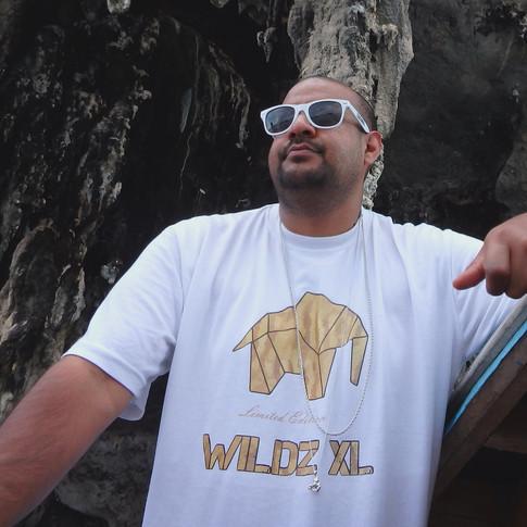 WILDZ XL white Elephant limited edition 1st edition T-shirt, Hav-it