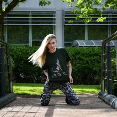 WILDZ XL Green Wolf 1st Edition T-shirt, @miss_cnancy & @wlf_fotography