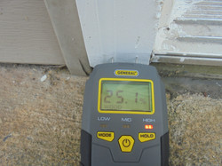 The Home Inspector uses meters.