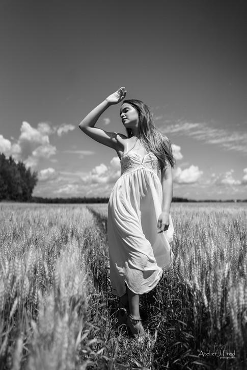 Photo femme blé (6).jpg