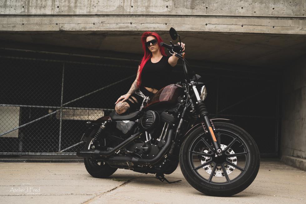 Photo femme moto (13).jpg
