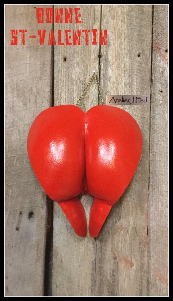 moulage fesse cœur rouge