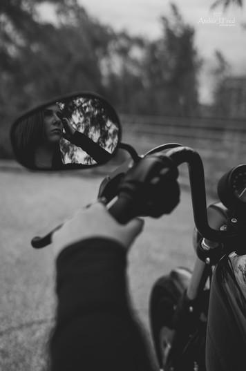 Photo femme moto (8).jpg