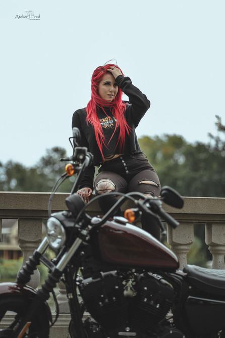 Photo femme moto (7).jpg