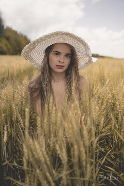 Photo_femme_blé_(14).jpg