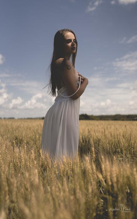 Photo_femme_blé_(11).jpg