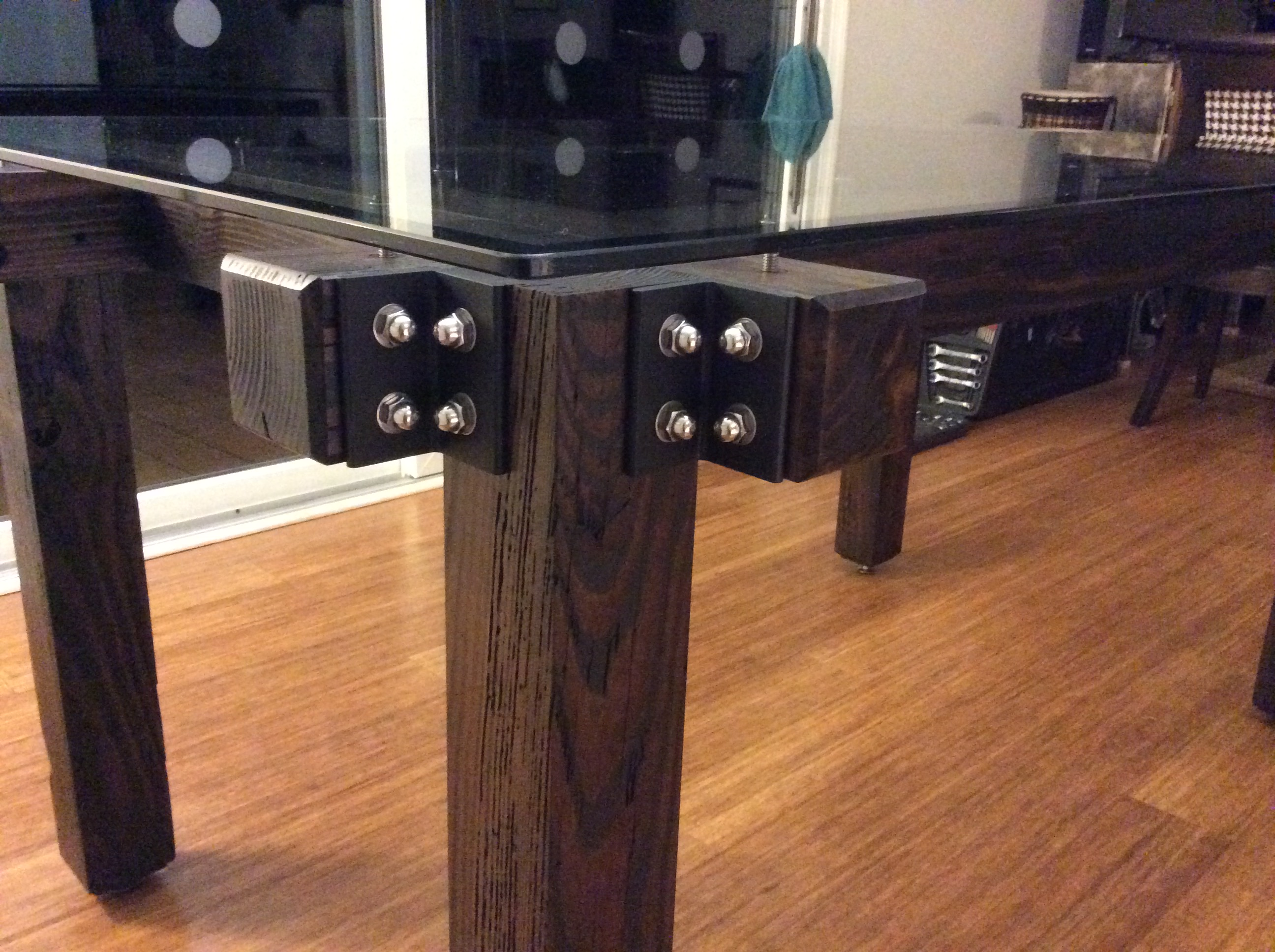 Custo Table  Detail W/ Glass