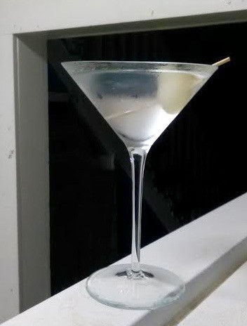 Retro Cocktail for October: The Gibson